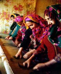 فرش ترکمن ؛اوج هنرو هویت زنان کرانه خزر