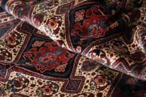 69 1 300x200 - راه های جاودانه کردن فرش دستباف