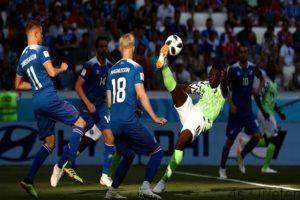 97 04 15 300x200 -  پیروزی نیجریه مقابل ایسلند شانس آرژانتین را برای صعود بیشتر کرد