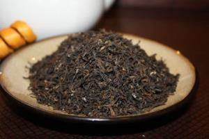 37 300x200 - چای را در چه ظرفی بریزیم تا عطرش از بین نرود؟