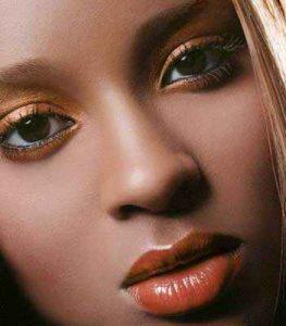 آرایش صورت با رنگ چشم مشکی و پوستهای سبزه و تیره! سایت 4s3.ir