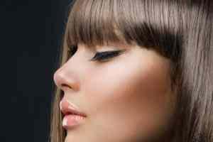 بینی بزرگ تان را با این ترفند ساده آرایشی کوچک و خوش فرم کنید! سایت 4s3.ir