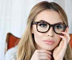 نکته های مهم آرایش چشم مخصوص خانم های عینکی سایت 4s3.ir