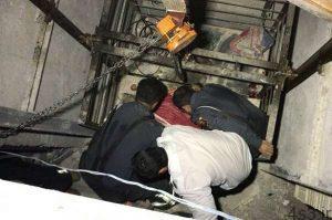 ۴ کشته براثر سقوط آسانسور در شبستر سایت 4s3.ir