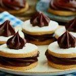 شیرینی شکلاتی کرم دار سایت 4s3.ir