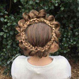 هنرنمایی بی نظیر مادر با موهای دخترش سایت 4s3.ir