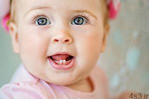 ba3737 300x200 - علائم نشاندهنده رویش دندان در کودکان