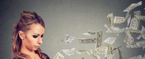 ra4 7226 e1600198914832 300x122 - کارهایی که باعث می شود احساس ثروتمند بودن کنید