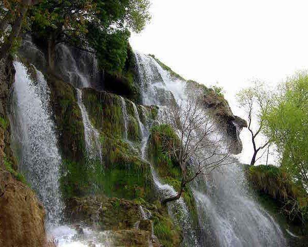 سه آبشار زیبای شهرستان بافت کرمان سایت 4s3.ir