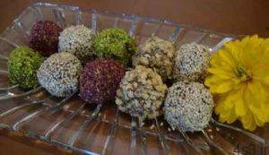 طرز تهیه توپ های گردویی شیرینی مخصوص عید نوروز سایت 4s3.ir