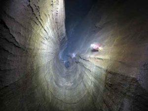 غار سم دومین غار خطرناک ایران سایت 4s3.ir