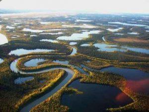 رودخانه ای که در زمستان تبدیل به جاده میشود+عکس سایت 4s3.ir