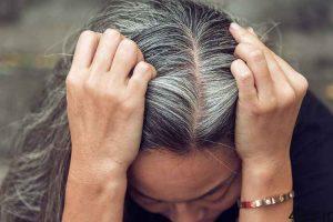 علل زود سفید شدن موها و جلوگیری از آن سایت 4s3.ir