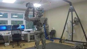 ربات شگفت انگیز روسی که رانندگی می کند + عکس و فیلم سایت 4s3.ir